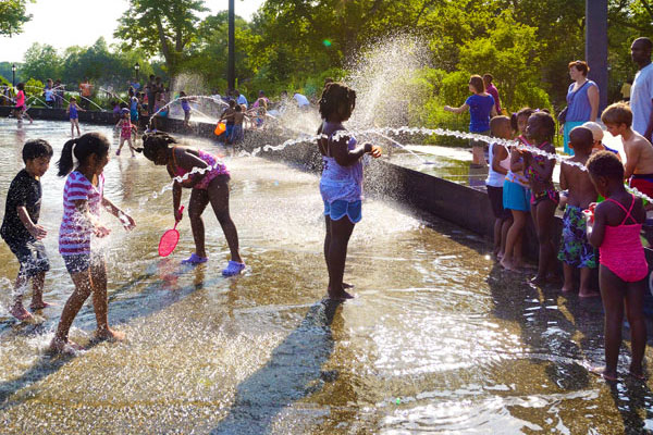 One Brooklyn's coolest summer spots, the Splash Pad is designed with over 20 water jets and provides state-of-the-art water play. The Splash Pad can also host group outings. In the wintertime, the Splash Pad is converted into Lakeside's second outdoor ice skating rink.