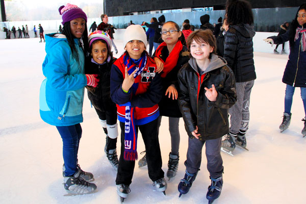 Groups-Ice-Skating-Picture