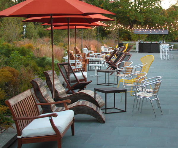 The outdoor café is close to both rinks and can accommodate up to 48 guests with casual picnic tables and umbrellas.